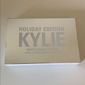 New Kylie cosmetics mini mattes holiday edition
